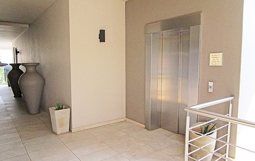 Image 12 for Luxurious Top Floor Apartment - Bryanston