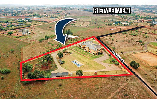 Image of Large 6 Bedroom Home in Rietvlei Country Estate