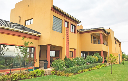 Image 4 for Large 6 Bedroom Home in Rietvlei Country Estate